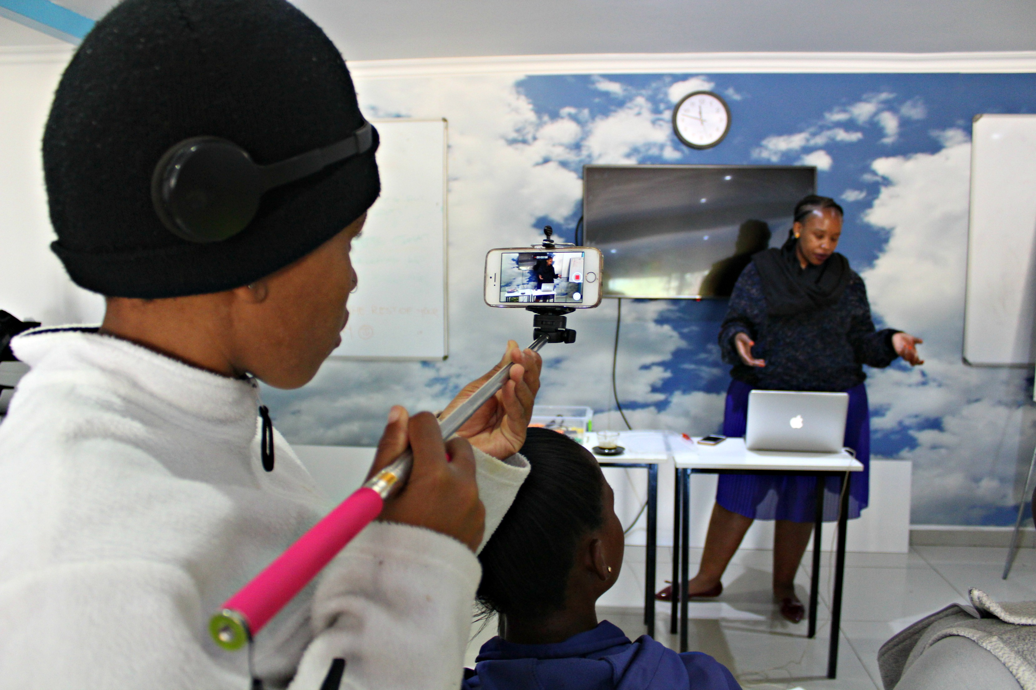 Thoriso Ngwatwane participates in Mobile Filmmaking inside eHUB Diepsloot, June 2018
